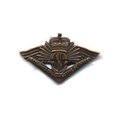 RETURNED FROM ACTIVE SERVICE BADGE - QUEENS CROWN