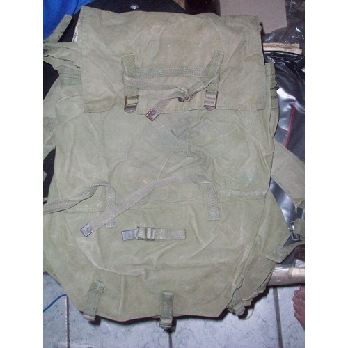 AUST LARGE PACK GREEN (NAM) USED CONDITION